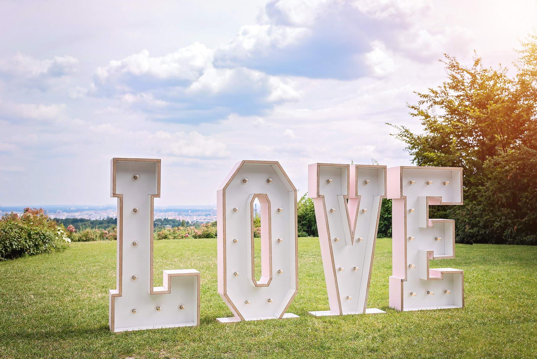 Love Buchstaben